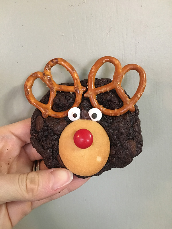 single-reindeer-cookie