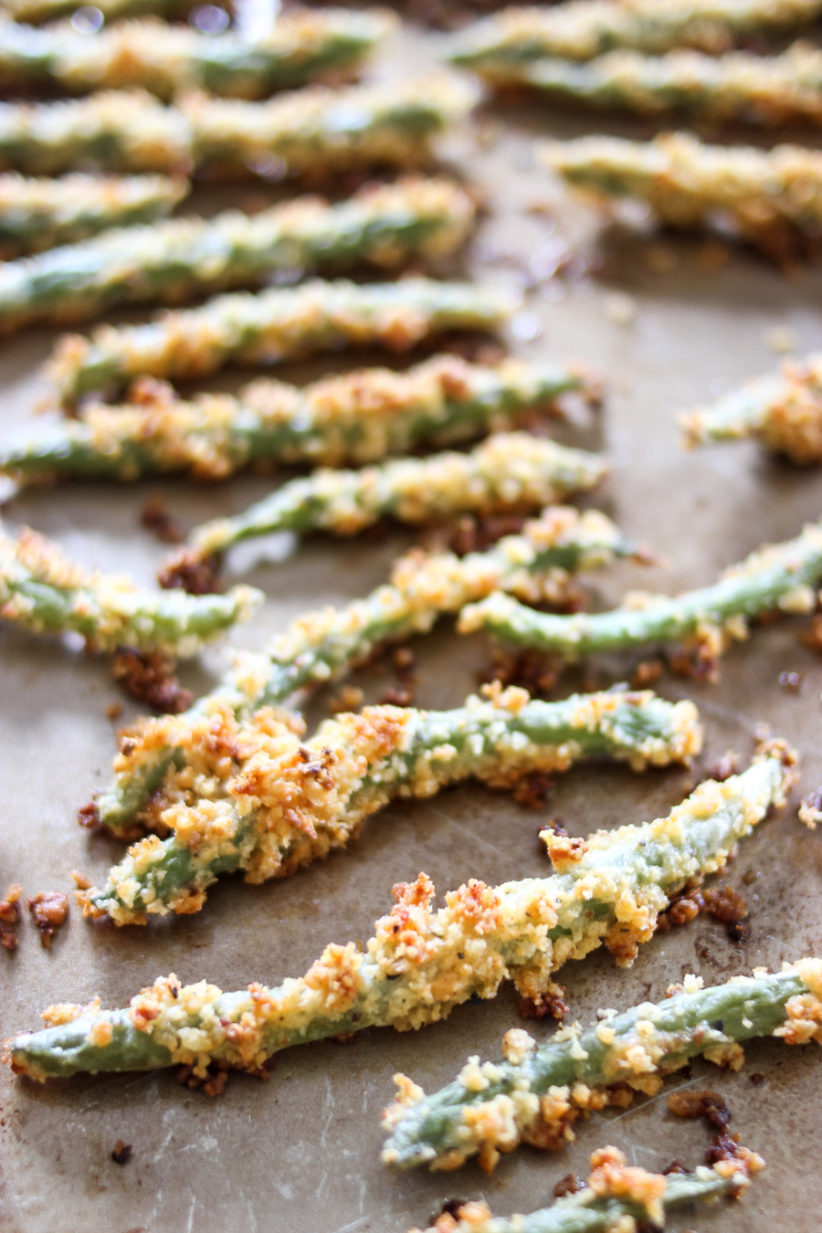 Baked Green Bean Fries with Zesty Horseradish Dipping Sauce